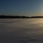 Iltapäivähiihto jäällä, kuva Paul Stevens