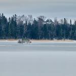 Nuottalahden jää ja kelluva sauna - Kuva: Jukka Ranta