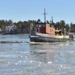 Paikallinen jäänmurtaja - Kuva: Tommi Heinonen