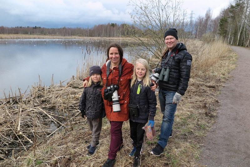 Minna Pyykkö, Juha Laaksonen ja lapset - Kuva: Timo Leppäharju