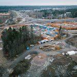 Yleisnäkymä entisen täyttömäen alueelle, taustalla metrokeskus ja luontokeskus - Kuva: Tuomas Heinonen