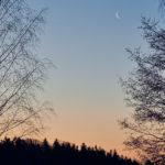 Kuun sirppi Pirisaaren yllä - Kuva Jukka Ranta