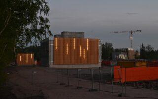 Valot päällä kuilurakennuksissa - Kuva Tommi Heinonen