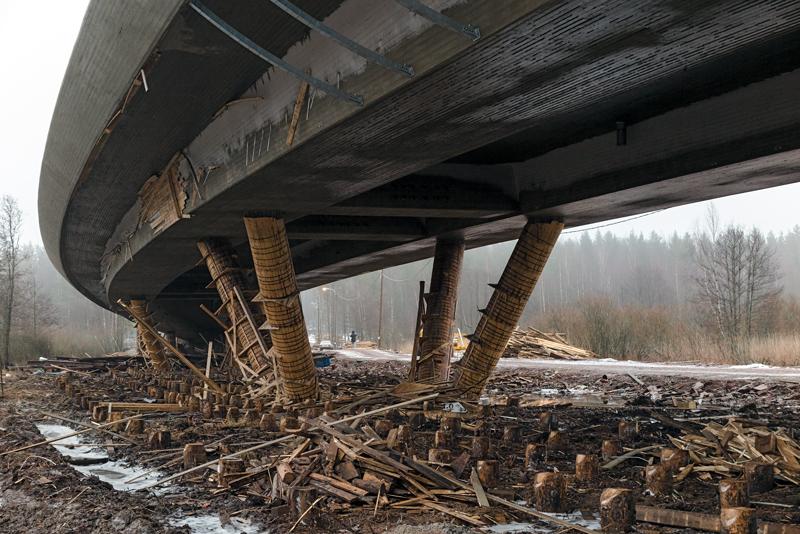 Talvipäivä sillan alla - Kuva: Jukka Ranta