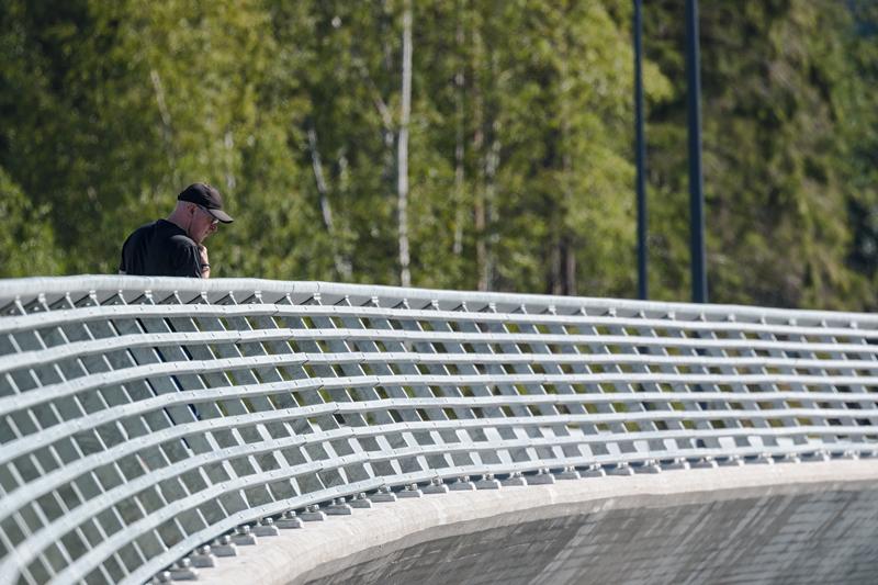 Ulkoilijat ovat löytäneet Finnevikinsillan - Kuva: Jukka Ranta