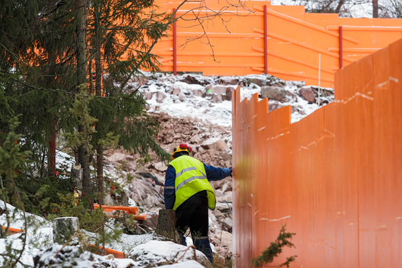 Länsimetron oranssi näkyy jo Suomenojalla - Kuva: Jukka Ranta