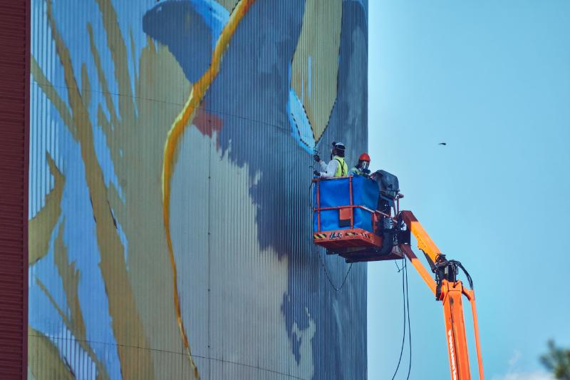 Muraalia maalataan - Kuva Jukka Ranta