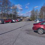 Parkkipaikka täyttyi - Kuva: Jukka Ranta