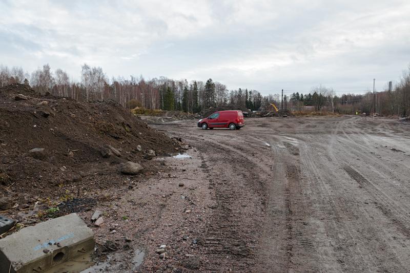 Uusi tie kulkee Hannuspellon varikkoalueen läpi - Kuva: Jukka Ranta